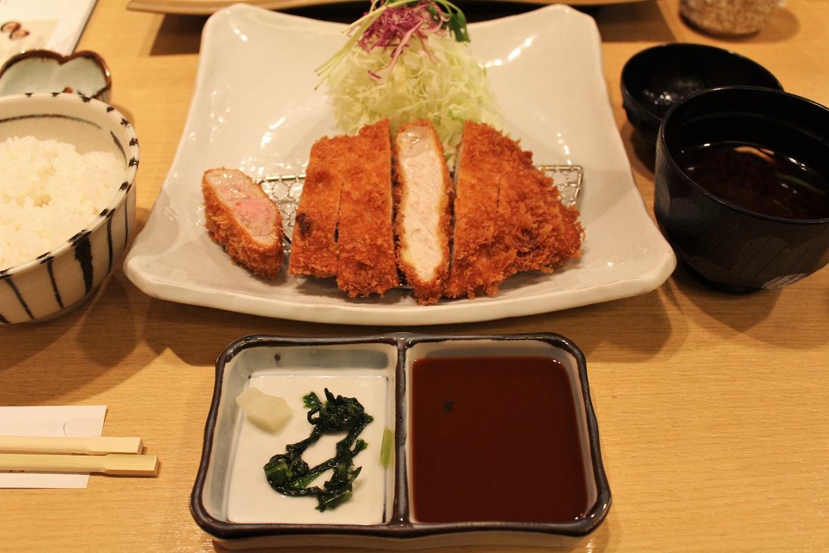 9-schwarzes-schwein-miso-katsu
